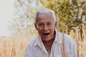 A Guide to Dental Implants for Seniors